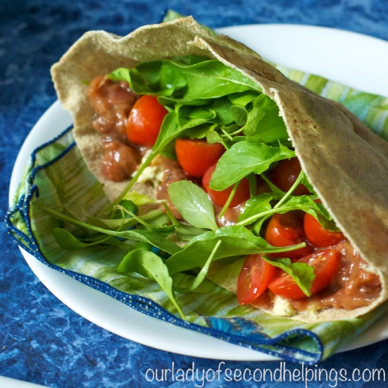 Pita Pocket with tomato and arugula